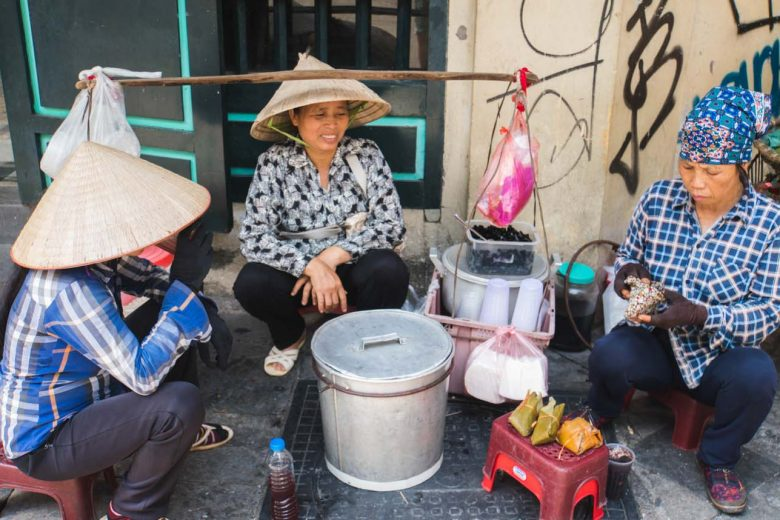vietnamese vendors on the street