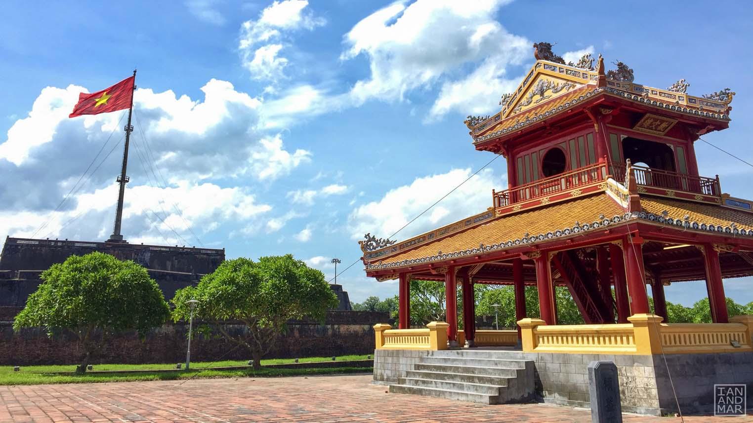 vietnamese flag and pagoda