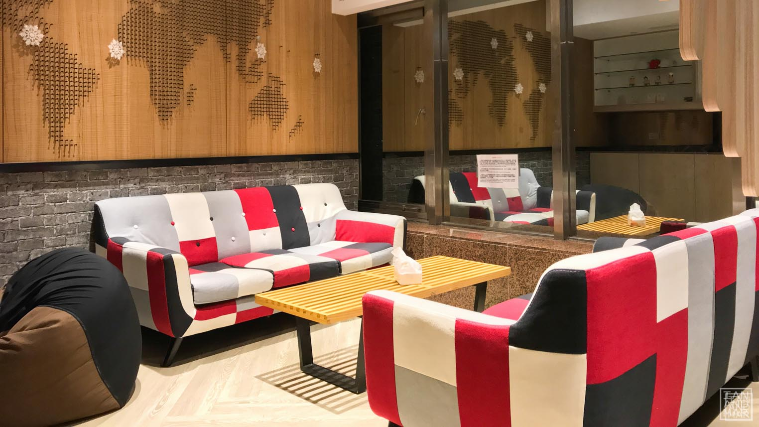 hotel lobby in taiwan